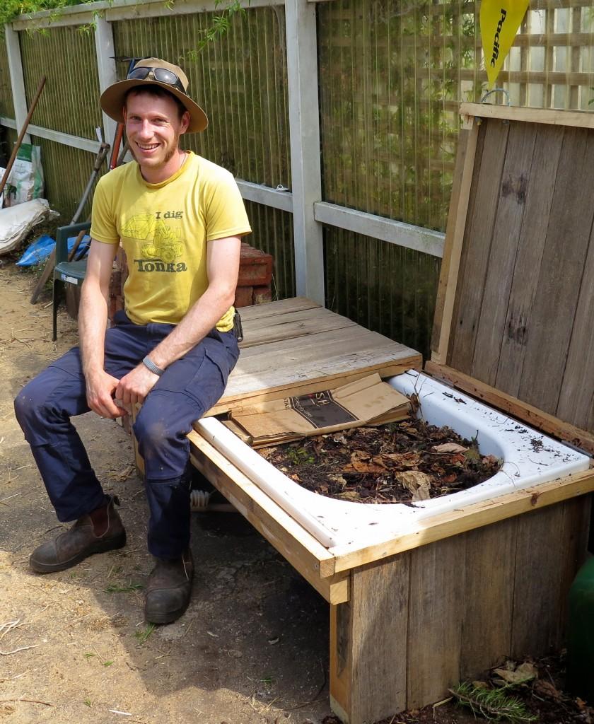 DIY Worm Farms For Tiny, Medium & Large Gardens