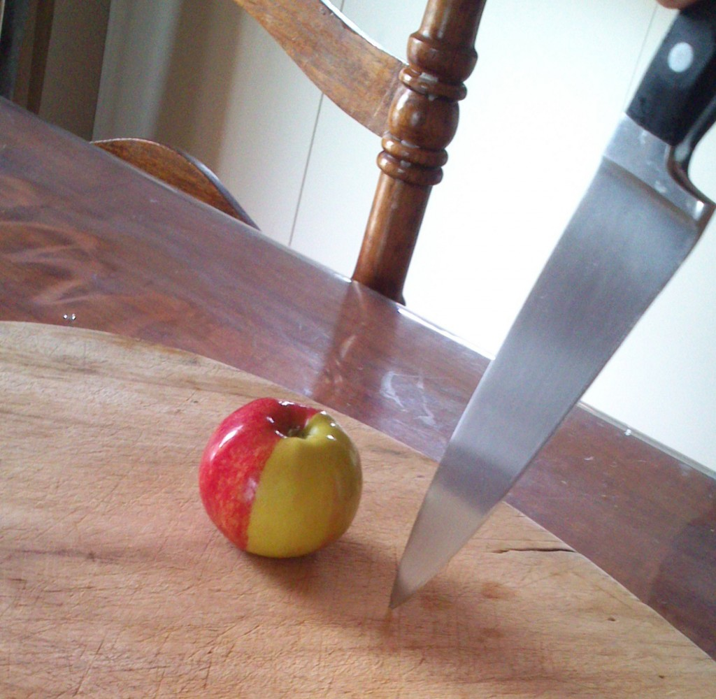 apple cutting